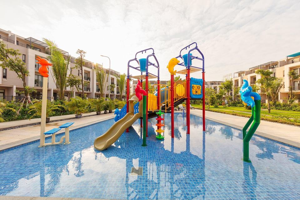 Khu Vui Chơi Royal Lotus Resort