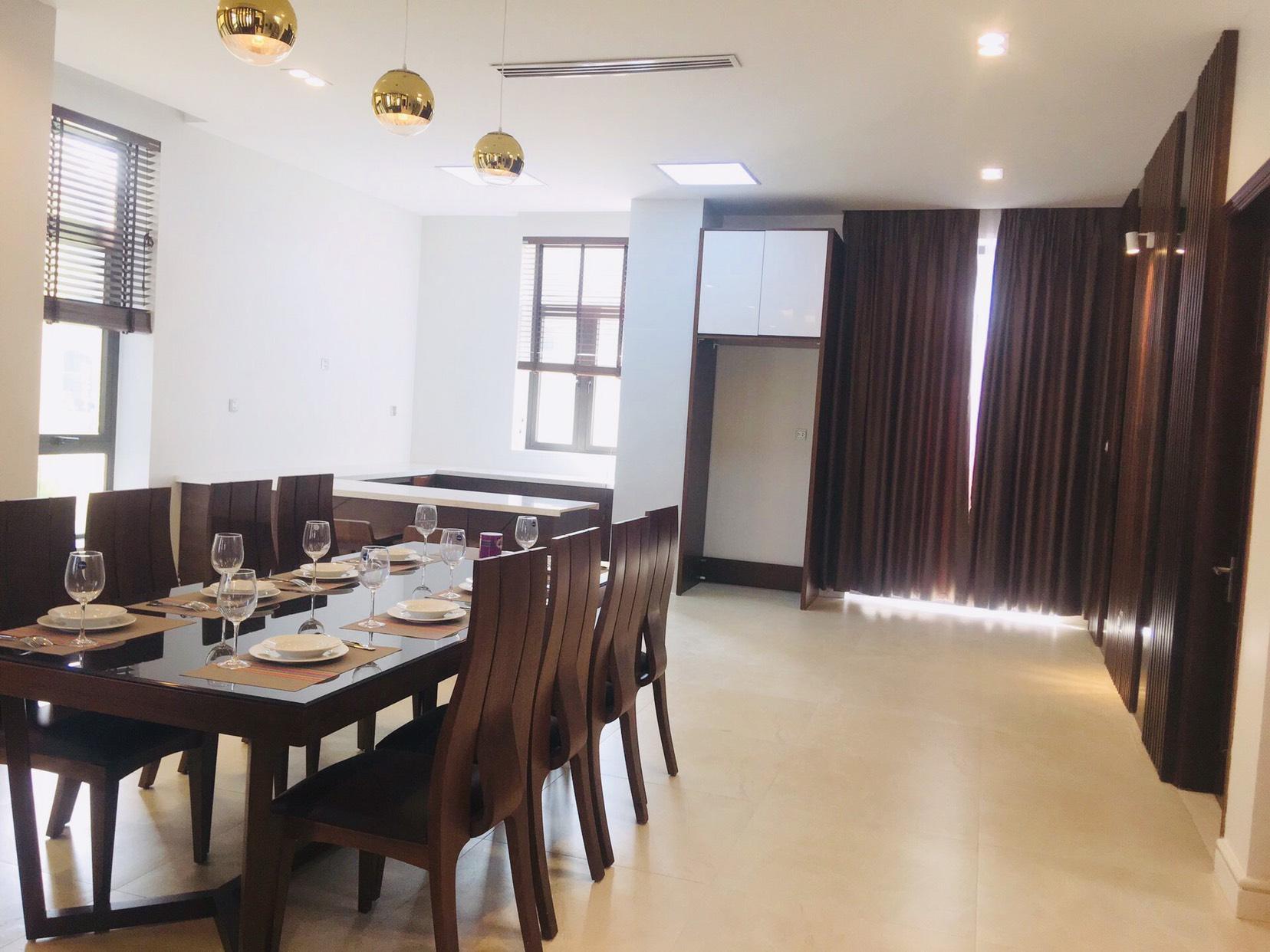 Phòng Bếp Villa Beverly Hạ Long